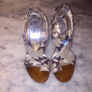 Michael Kors Sycamore sandal natural color